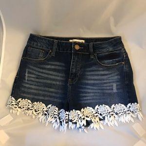 ⭐️3 for $25⭐️ Urban Heritage denim shorts